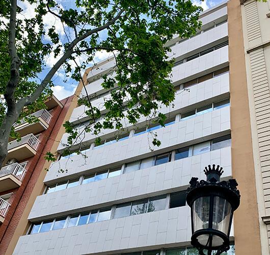 fachada-edificio-oficina-gcc774